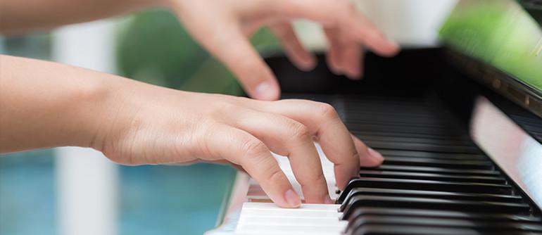 ECLA-Auriol-loisirs-activites-enfants-adultes-adolescents-cours-de-piano